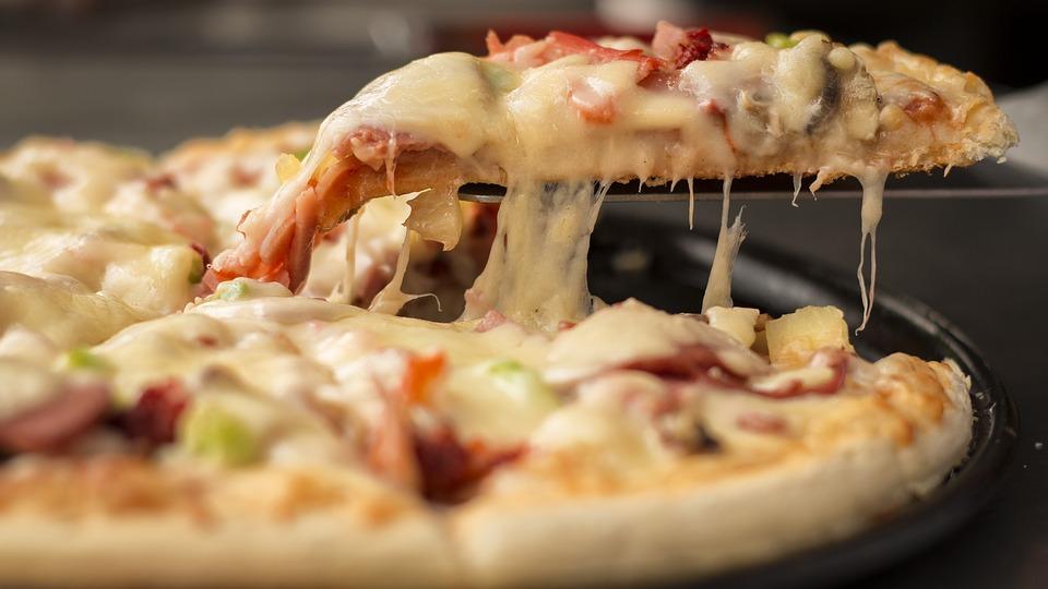 pizza-1317699_960_720
