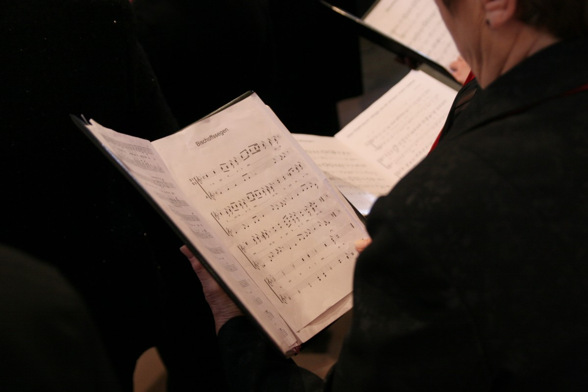choir_singing_song_book_notenblatt_club_song_christmas_easter-948609