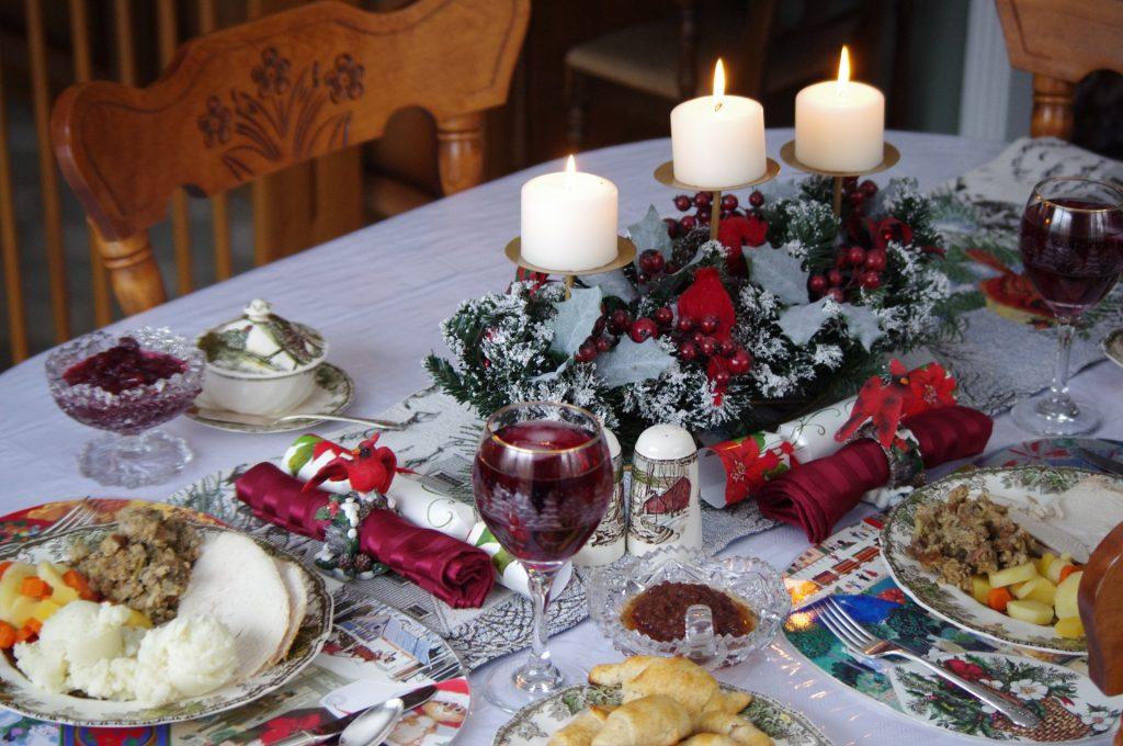 christmas-table-1414601556Ooe